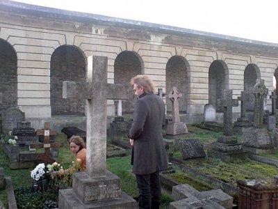 13 января 2008 - Лондон. Old Brompton Cemetery. Район Earls Court. Константин Кинчев с супругой посетили могилу митрополита Сурожского Антония